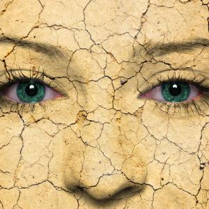 4930a4bc0806632b4a5904fe184f3923 300x300 - 冬の乾燥より怖い!初夏の乾燥肌は劣化の原因に