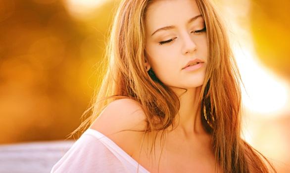 woman portrait girl color 90754 medium - 肌の新陳代謝を正常化して乾燥肌を改善する!