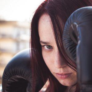 people 2588188 960 720 300x300 - ボクシングは心のケアに効く薬?美容健康ボクシングの効用①