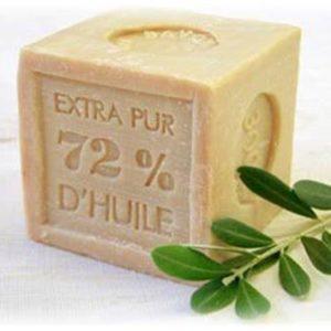 sekken 300x300 - 乾燥している肌には石鹸が効果的って本当!?